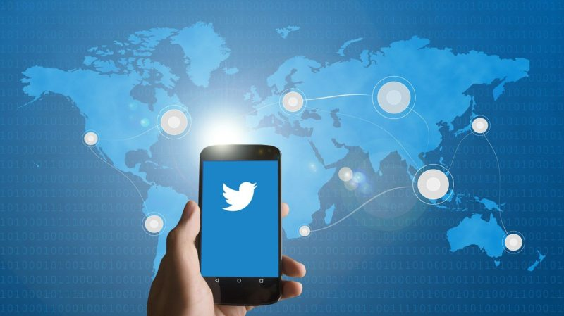 smartphone-twitter-1